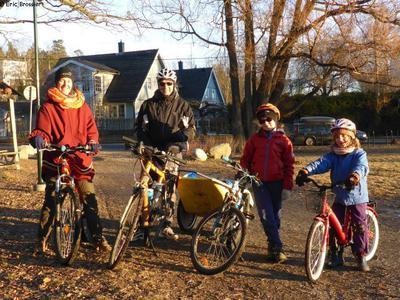 Joie du vélo en famille en Suède