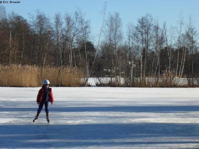 Leonie sur lac gelé en Suède
