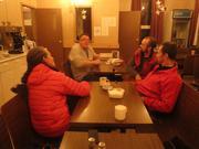 Cafe chez Louie hotelier a Qikiqtarjuaq par piem