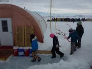 Ecoliers visitent camp de glace