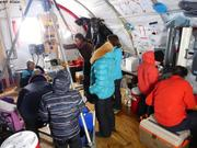 Visiteurs au camp de glace GreenEdge