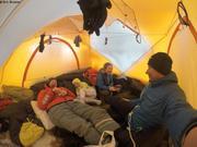 Heureux sous la tente