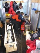 Claudie et Jose preparent flotteur Argo