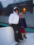 Leonie et Aurore retrouvent l'ecole de Qikiqtarjuaq