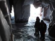 Dans grotte sud ile Broughton
