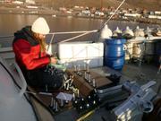 Jessica prepare supports pour echantillons coralline Arctic Bay