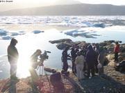 Premiere plongee pour Laurent et Patrick devant Qikiqtarjuaq