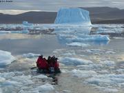 Vers l'iceberg pour plonger et filmer