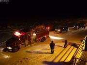 Camion pompier ouvre la parade du Nouvel An a Grise Fiord