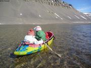 Aurore et Leonie en kayak