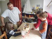 Eric Mansuy montre maquette en construction