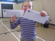 Leonie gagne le Fishing Derby de Grise Fiord