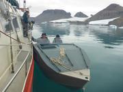Rencontre avec Raymond et Tivai dans le fjord du Cap Sud ©EB