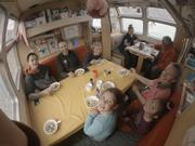 Imooshee Terry et famille a bord de Vagabond ©Aurore Brossier