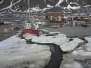 La neige fond rapidement fin juin a Grise Fiord ©EB