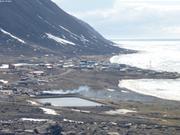 Grise Fiord et bassin de decantation ©EB
