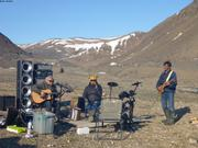 Larry Annie et Kavavow Nunavut Day ©EB