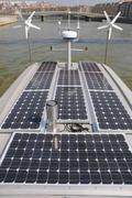 Panneaux solaires et eoliennes