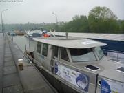Passage ecluse Seine avec 3 peniches