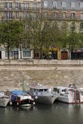 A quai a Paris