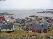 Vagabond dans le port d Upernavik