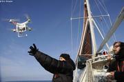 Clementine et Adrien lancent le drone
