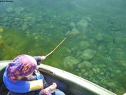 Leonie epuisette et poissons
