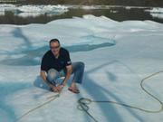 Eric retire broche a glace