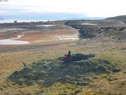Ancienne hutte devant village de Qeqertarssuaq
