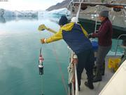 Dave et Erin avec CTD devant glacier Sydkap