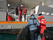 Aurore et Leonie embarquent a bord de L Austral
