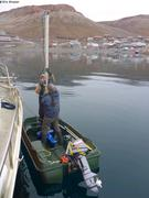 Gabriel et France demontent sonar a Arctic Bay