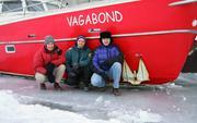 Equipe devant Vagabond 15 decembre 2002