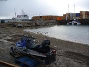 A quai a Cambridge Bay