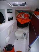 Toilettes tourmentin et panneau solaire