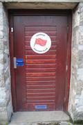 La porte d un fameux club