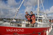 Aurore Leonie France et Eric sur Vagabond a Brest