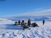 Convoi motoneige glacier