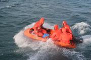 Debarquement par mer agitee