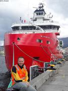 Eric devant L Astrolabe a quai a Hobart