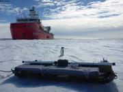 Le glaciometre et un premier curieux