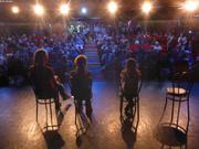 Echange avec les passagers de L Austral apres projection film